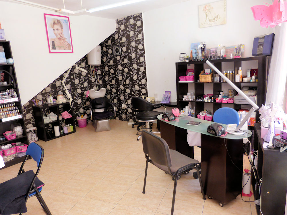 Beautician and Hairdress for sale in Benalmádena - Costa del Sol
